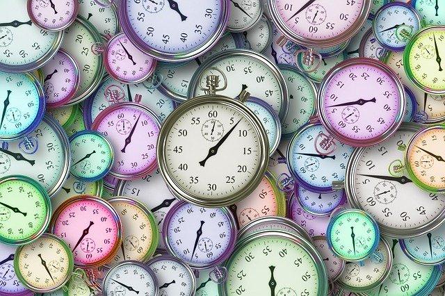 plusieurs horloges